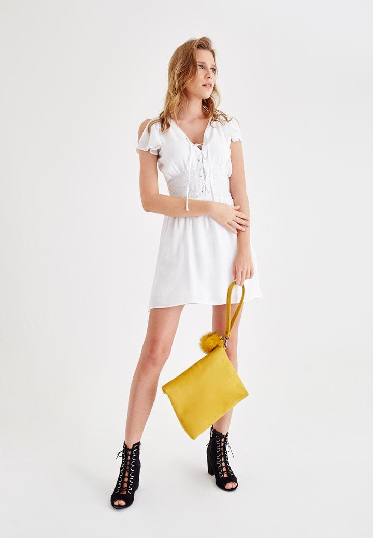 Beyaz Önü Bağlamalı Kol Detaylı Elbise