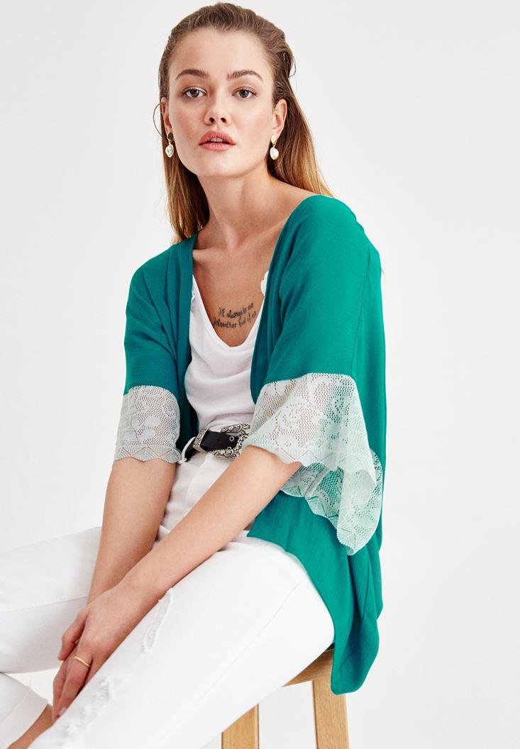 Yeşil Kolları Dantel Detaylı Ceket