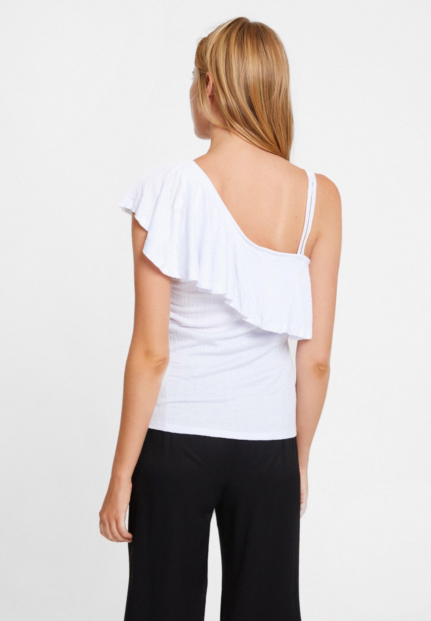 Bayan Beyaz Fırfırlı Askı Detaylı Bluz