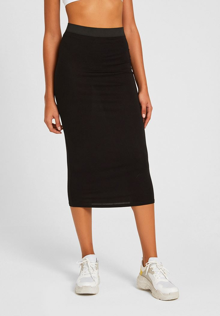 Black Knee-Bottom Narrow Skirt with Detail