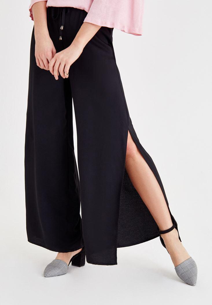 Siyah Beli Bağlamalı Yırtmaç Detaylı Pantolon