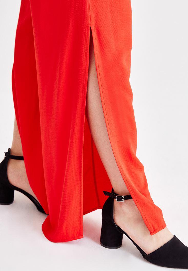 Bayan Kırmızı Beli Bağlamalı Yırtmaç Detaylı Pantolon