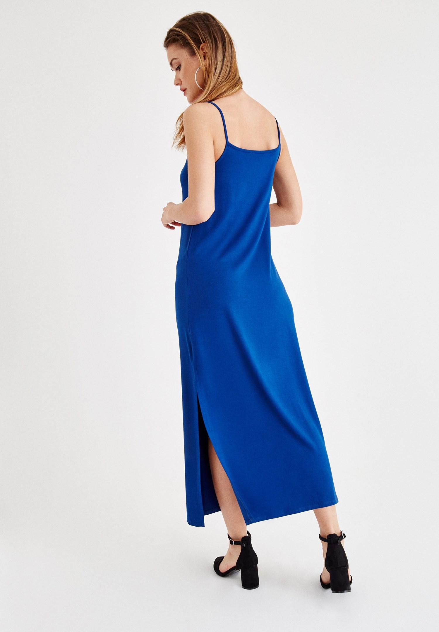 Bayan Lacivert İnce Askılı Yırtmaç Detaylı Uzun Elbise
