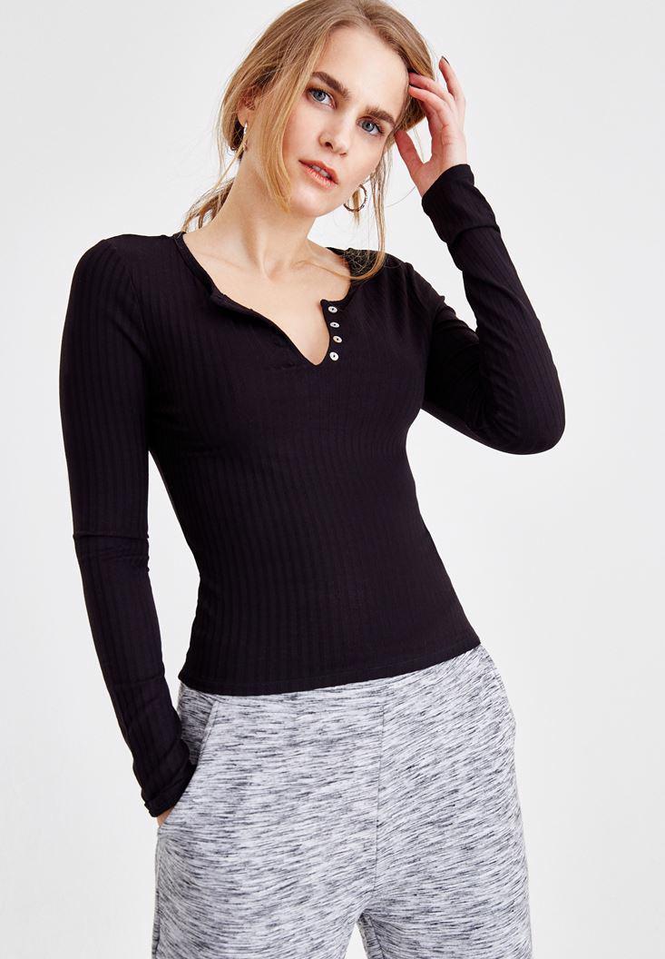 Bayan Siyah V Yaka Önü Düğmeli Tişört