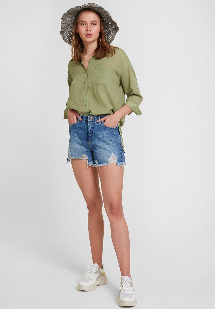 Yeşil Gömlek ve Jean Şort Kombini