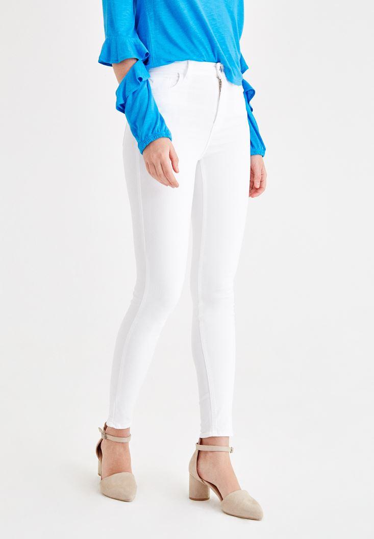 Beyaz Dar Paça Detaylı Yüksek Bel Pantolon