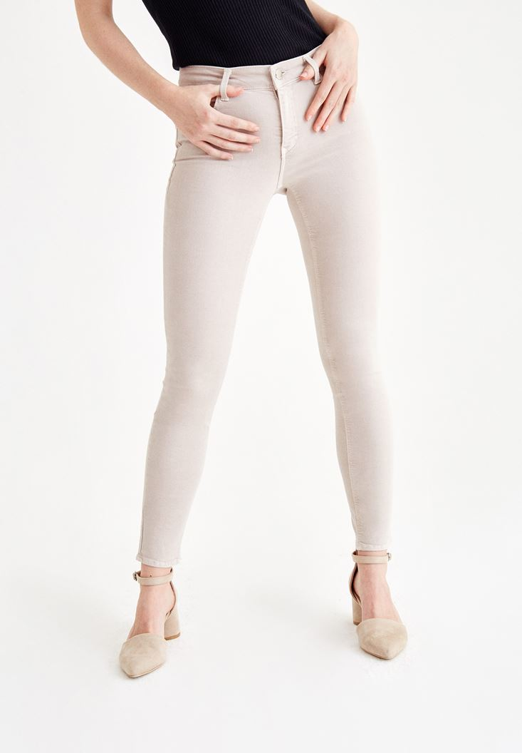 Cream Skinny Pants with Mid Rise Details