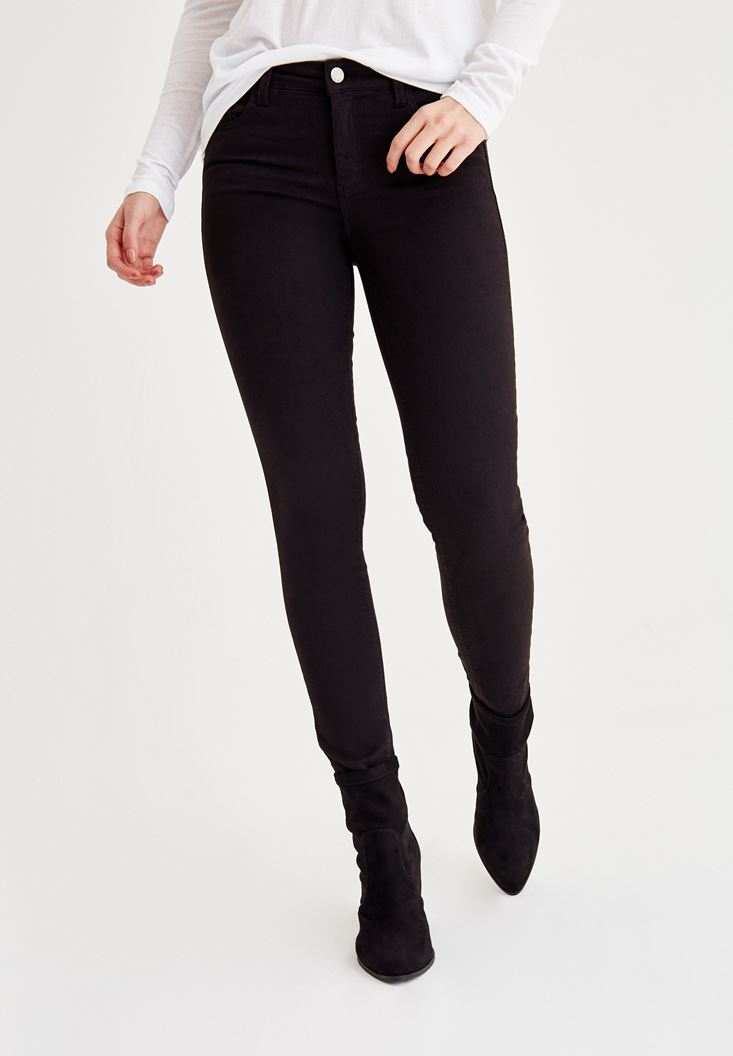 Black Skinny Pants with Mid Rise Details