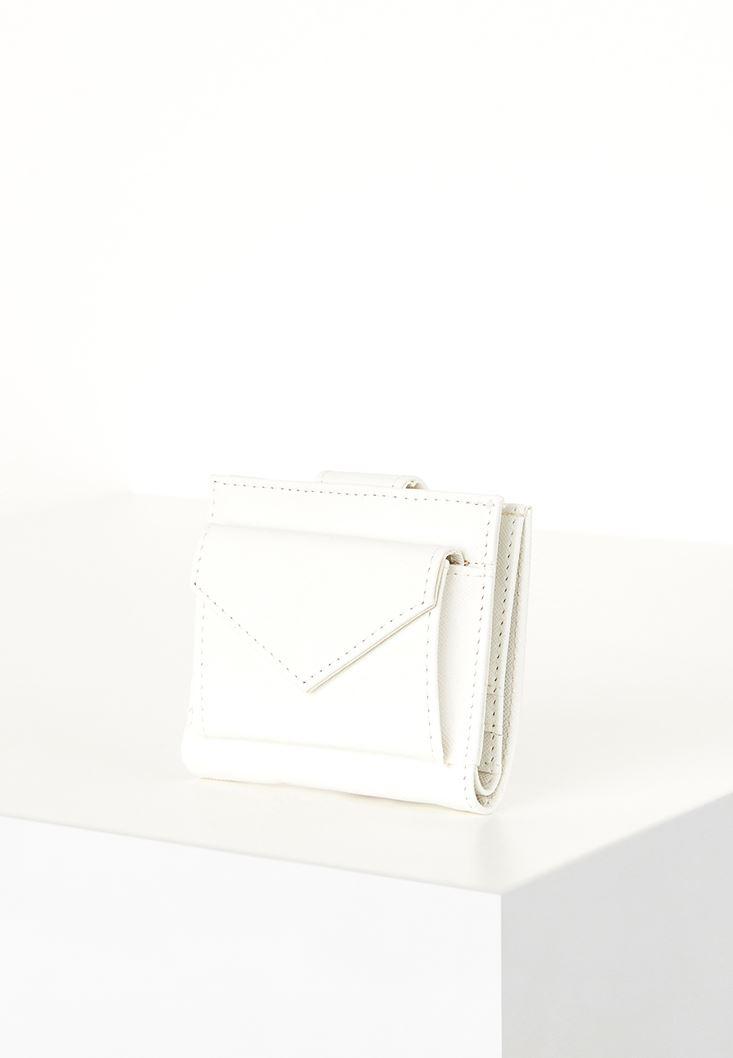 Beyaz Kapak Detaylı Küçük Cüzdan