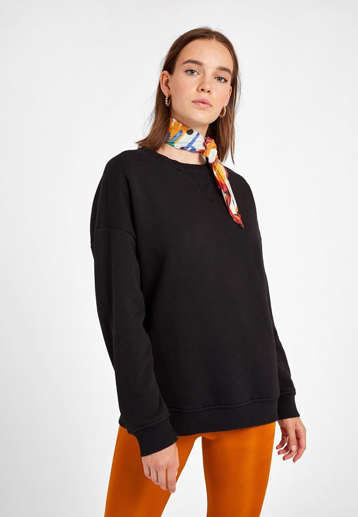 Siyah Sıfır Yaka Bol Kesim Sweatshirt