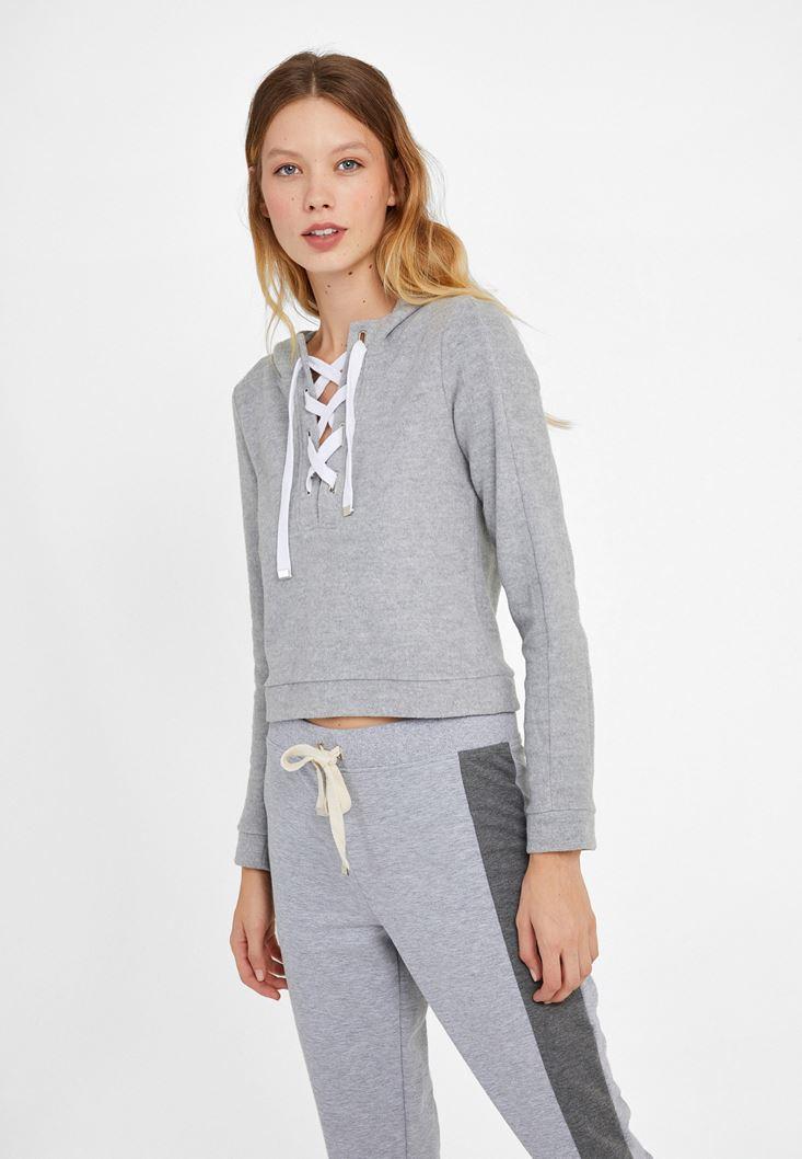 Gri Biye Detaylı Kısa Sweatshirt