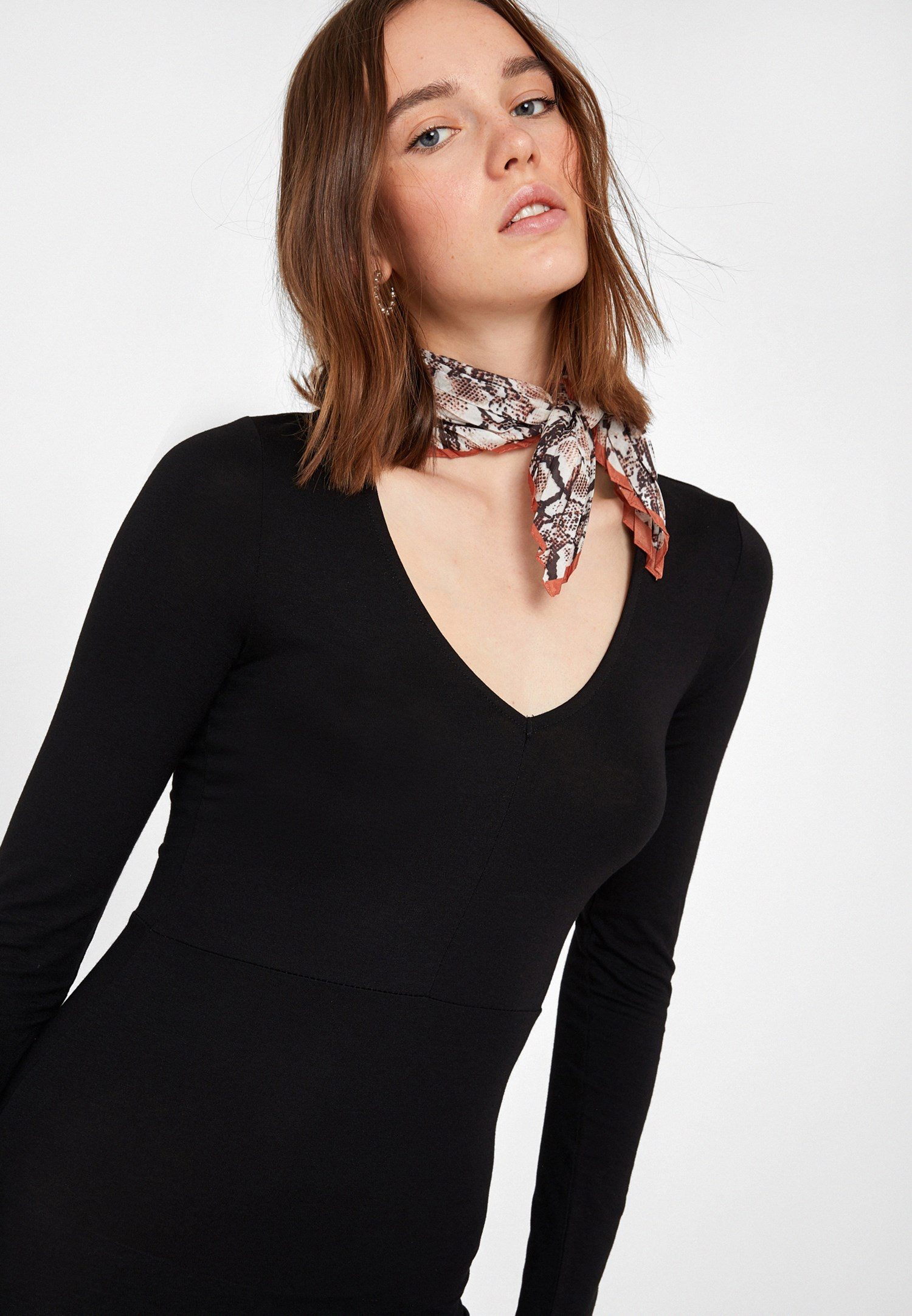 Bayan Siyah V Yaka Uzun Elbise