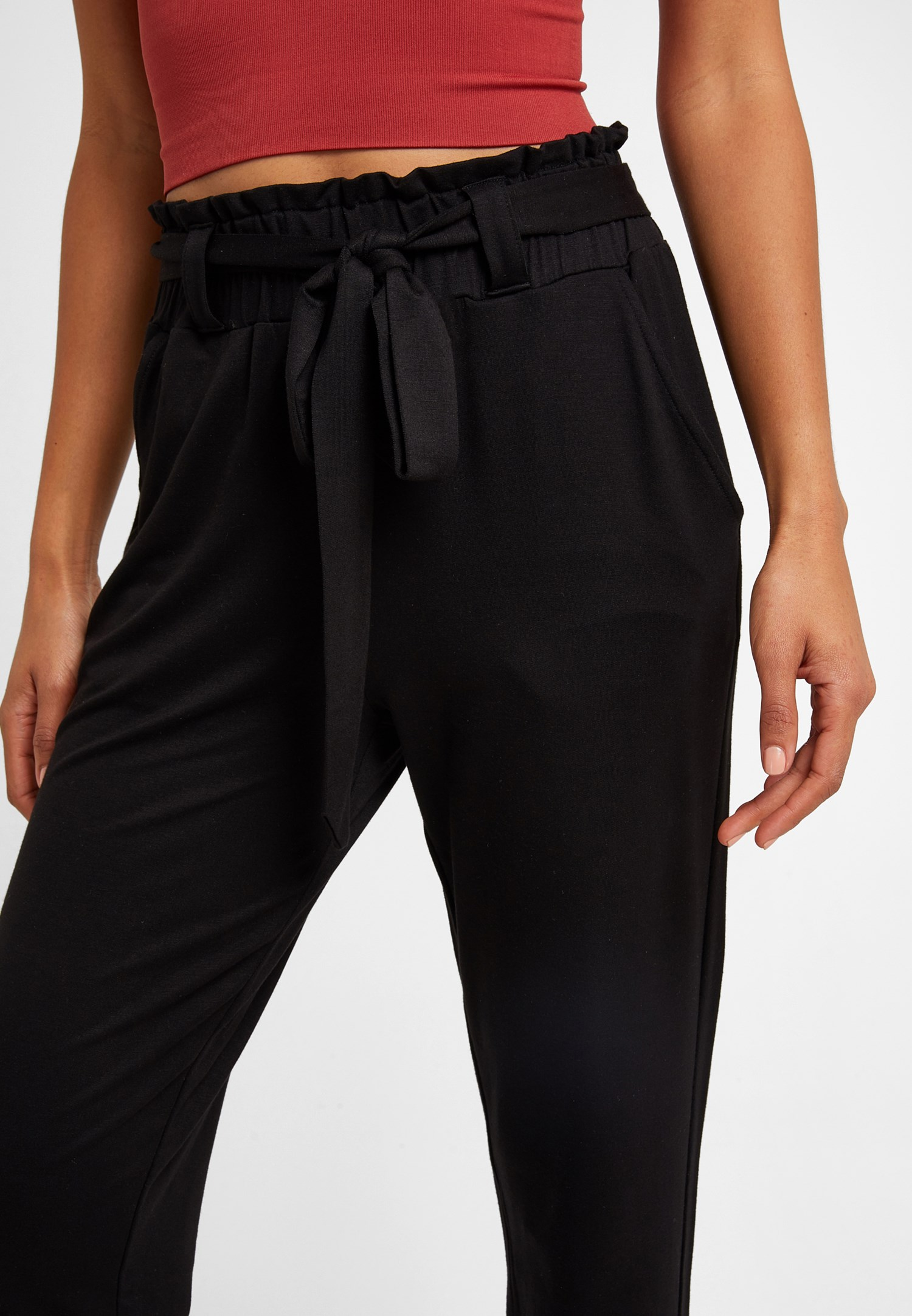 Bayan Siyah Beli Bağlamalı Havuç Kesim Pantolon