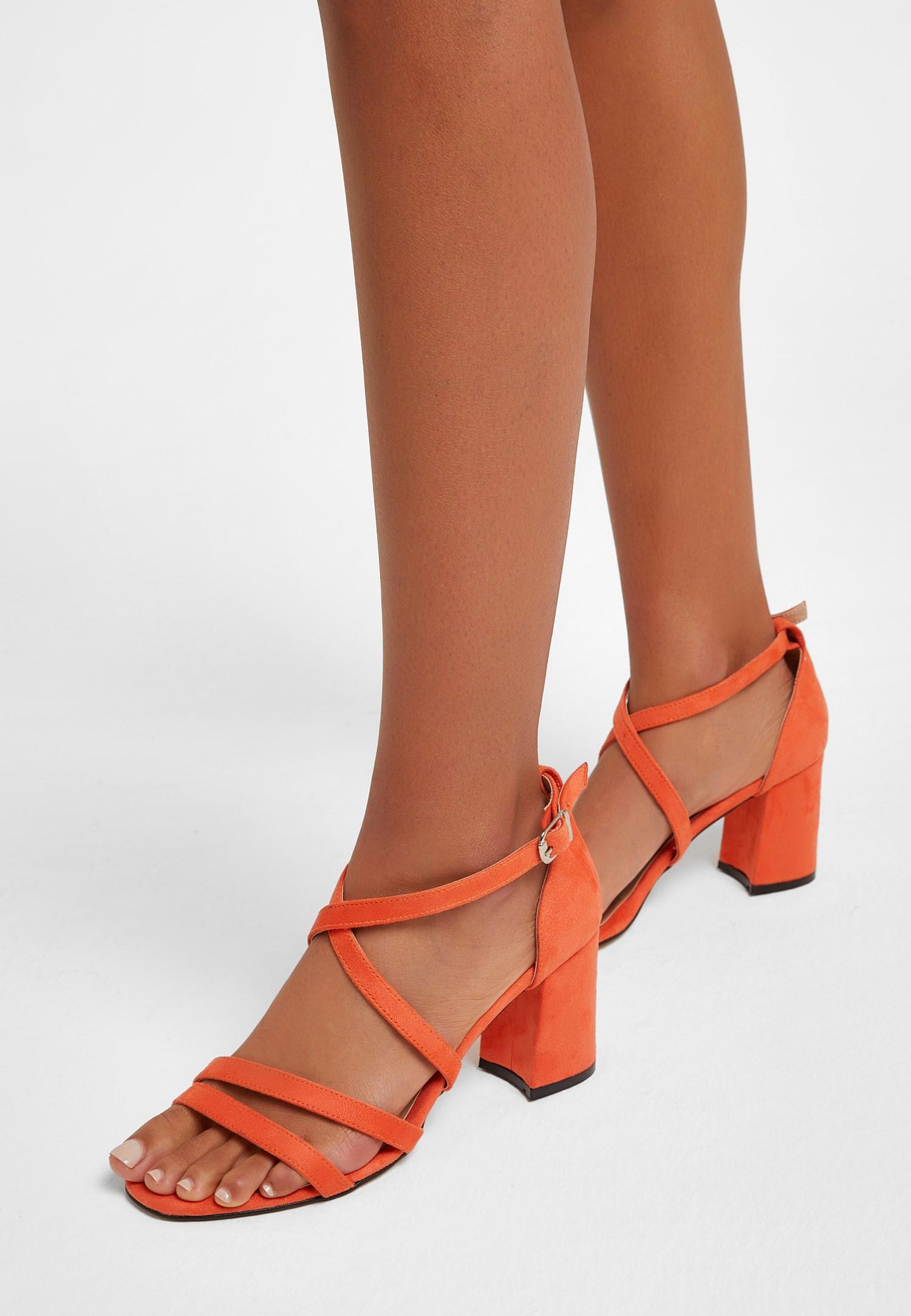 Bayan Turuncu Bant Detaylı Topuklu Ayakkabı