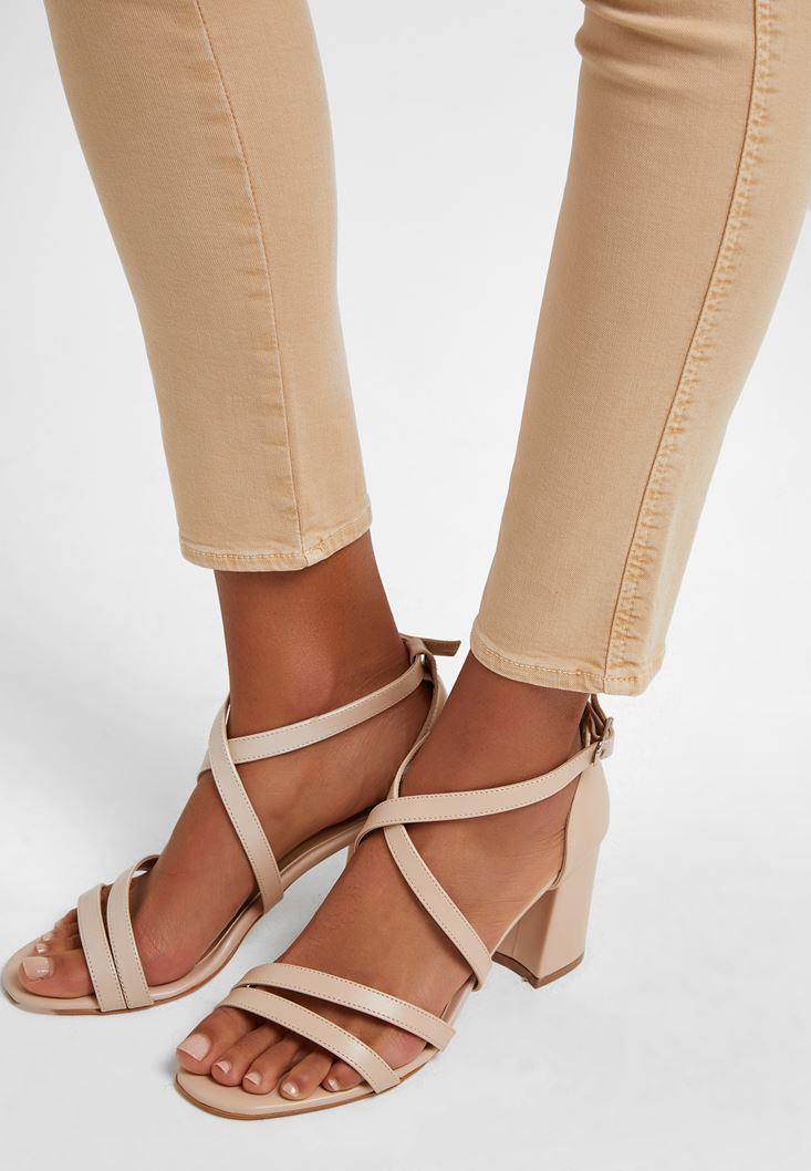 Krem Bant Detaylı Topuklu Ayakkabı