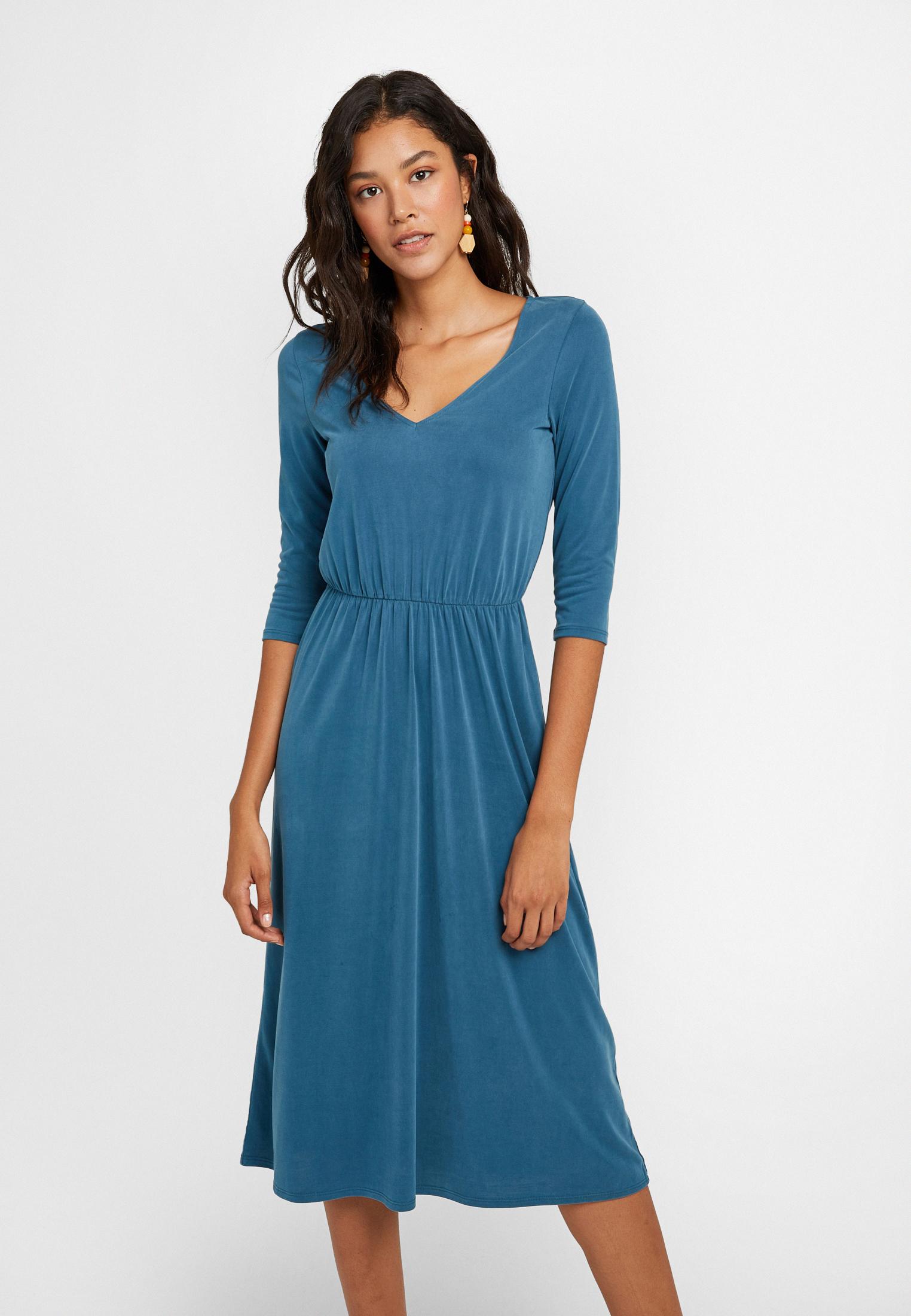 Bayan Mavi Yumuşak Dokulu Uzun Elbise