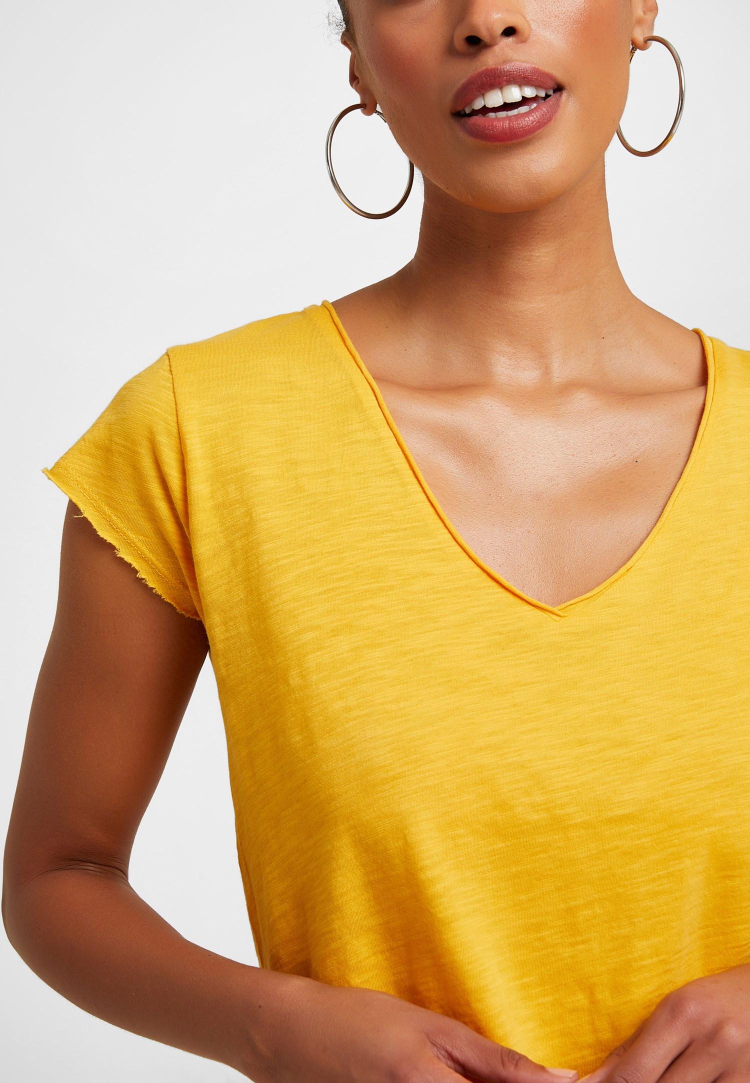 Bayan Sarı V Yaka Tişört