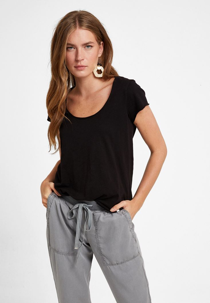Black U-Neck T-Shirt