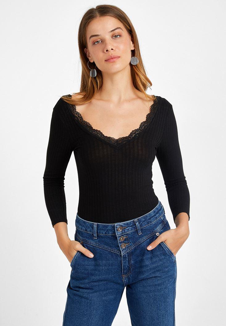 Siyah Dantel Detaylı Uzun Kollu Tişört
