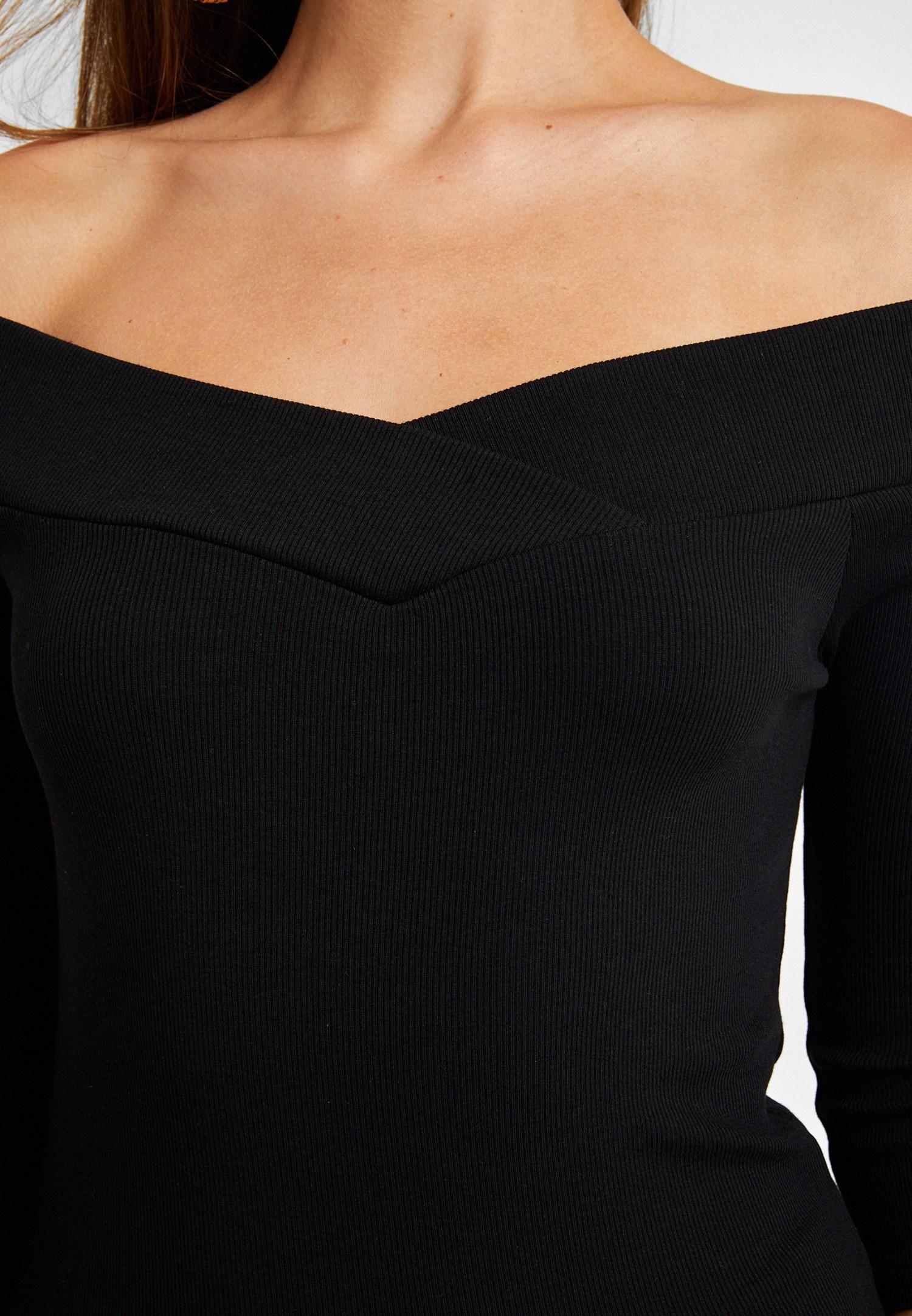 Bayan Siyah Omuzları Açık Bluz