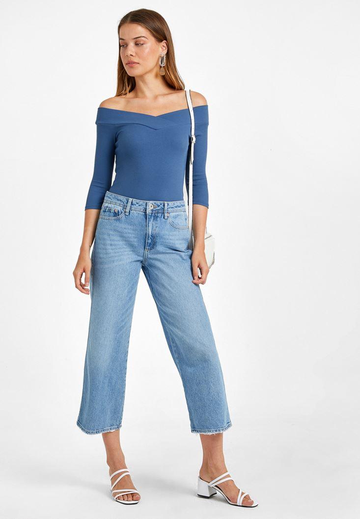 Omuzları Açık Bluz ve Culotte Denim Pantolon Kombini