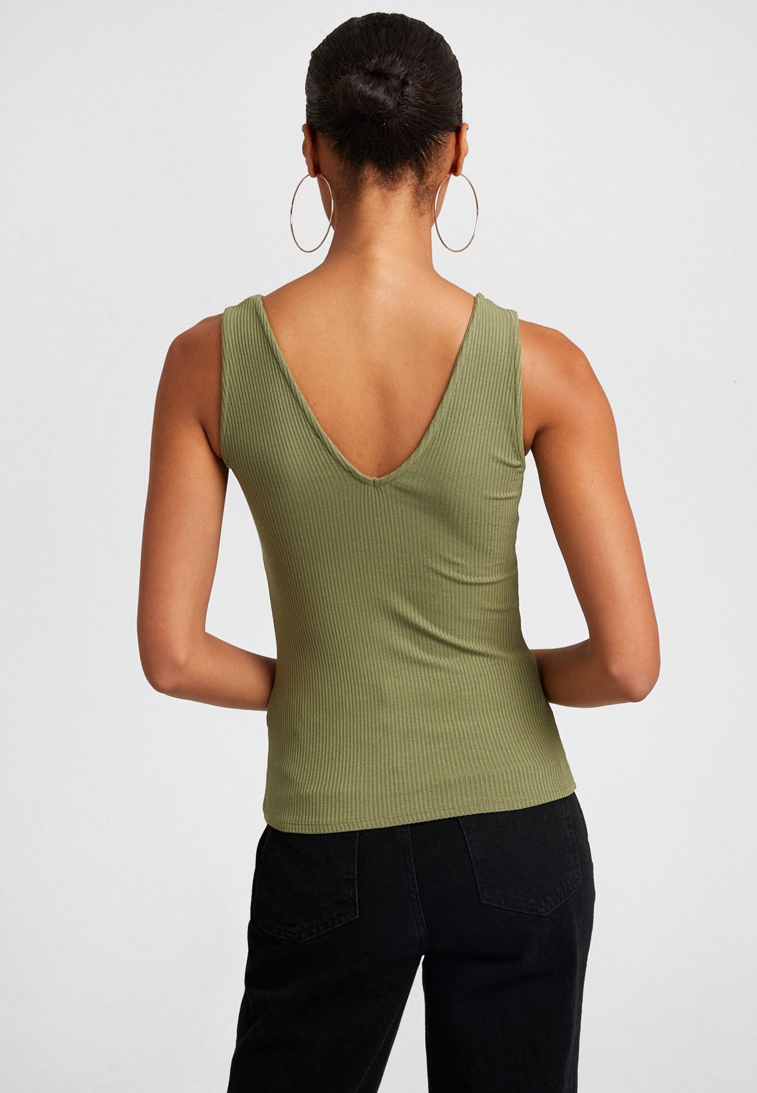 Bayan Yeşil V Yaka Atlet