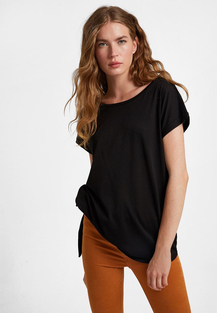 Black T-shirt with Knot