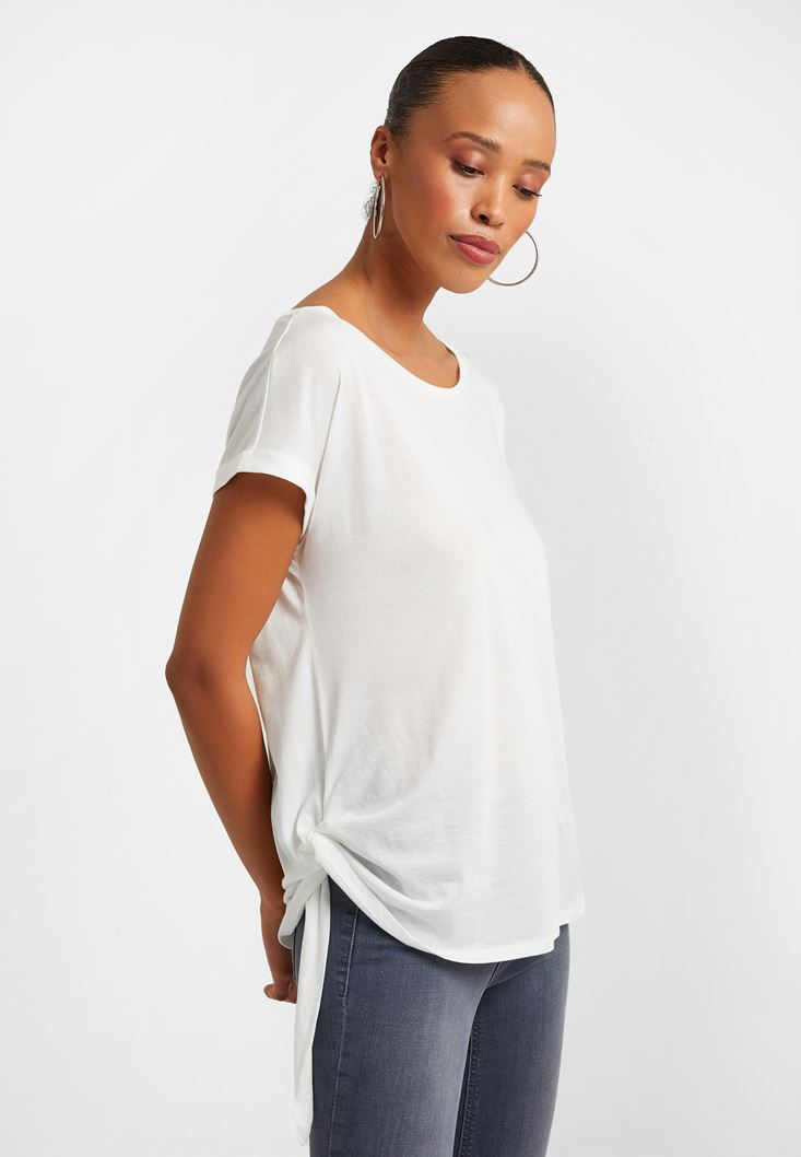 Cream T-shirt with Knot
