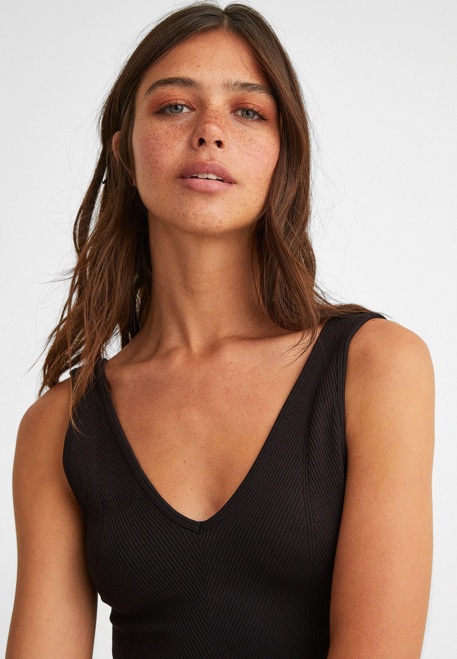 Bayan Siyah V Yaka Dikişsiz Crop Top