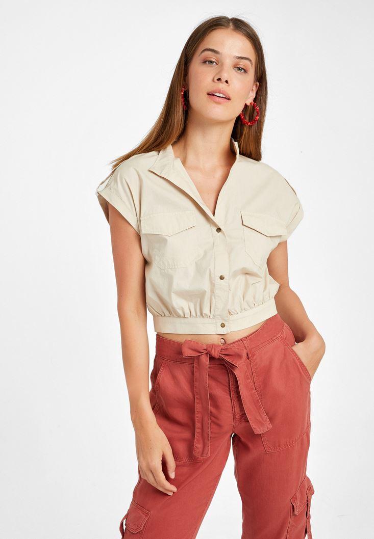 Krem Cep Detaylı Kısa Gömlek