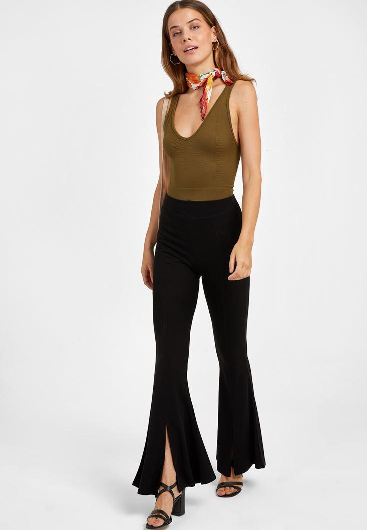 Siyah Orta Bel Kesik Detaylı Flare Pantolon
