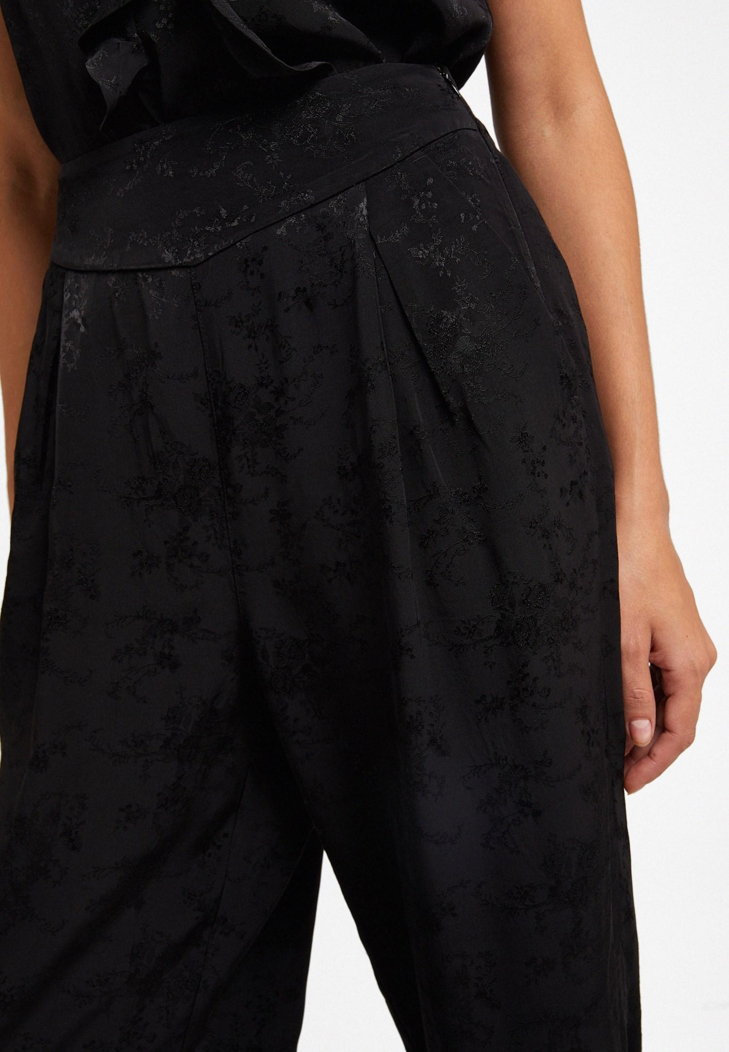 Bayan Siyah Pili Detaylı Bol Pantolon