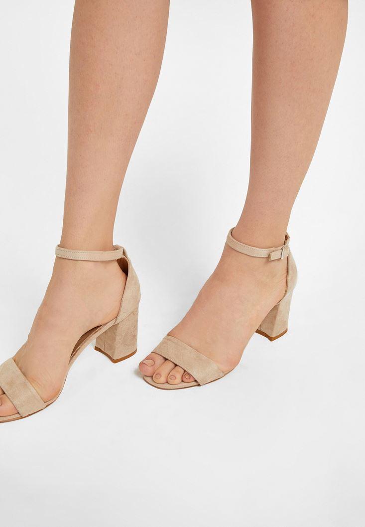 Krem Tek Bantlı Topuklu Ayakkabı