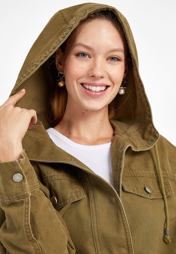 Yeşil Kapüşonlu Kısa Parka Ceket