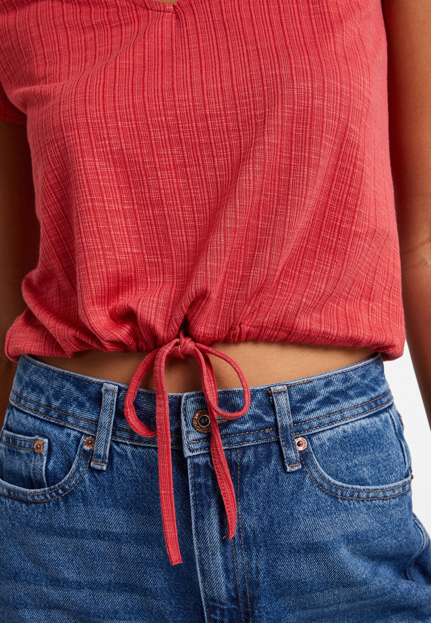 Bayan Kırmızı Bağlama Detaylı V Yaka Tişört