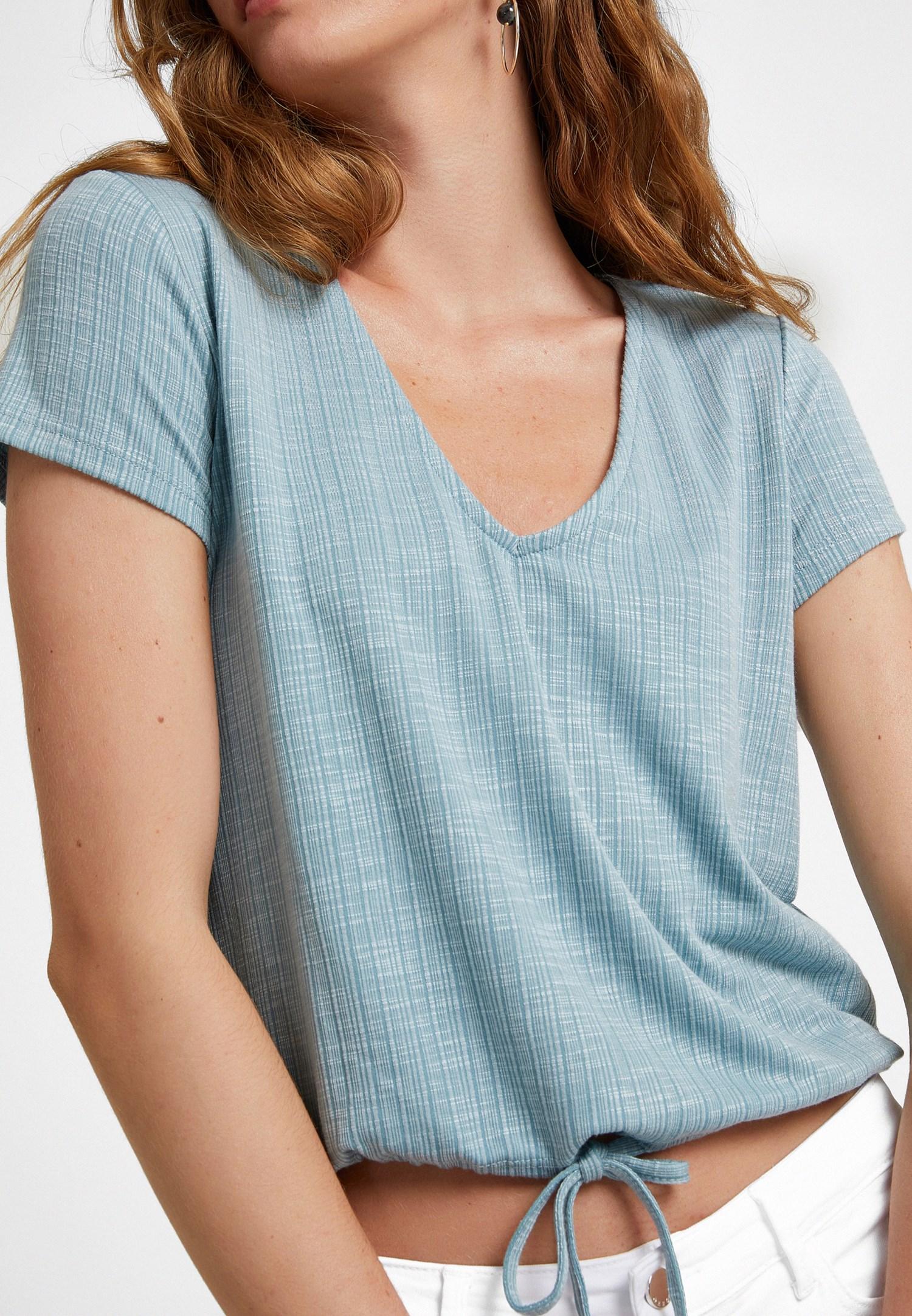 Bayan Mavi Bağlama Detaylı V Yaka Tişört