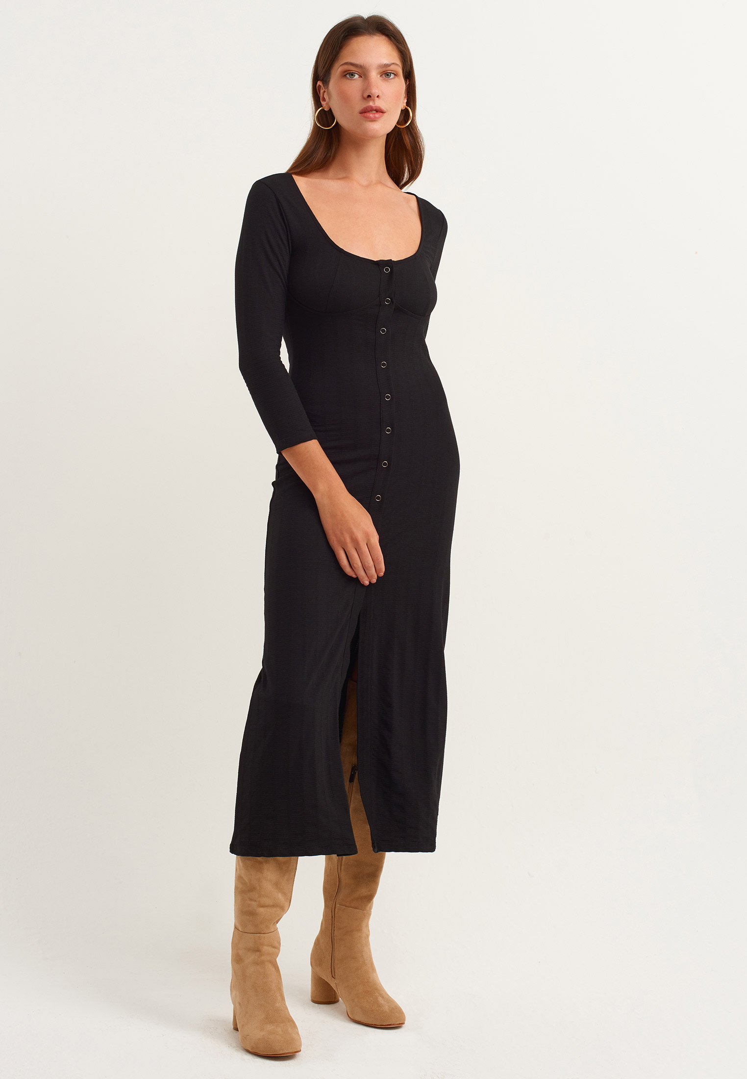 Bayan Siyah Düğme Detaylı Uzun Elbise