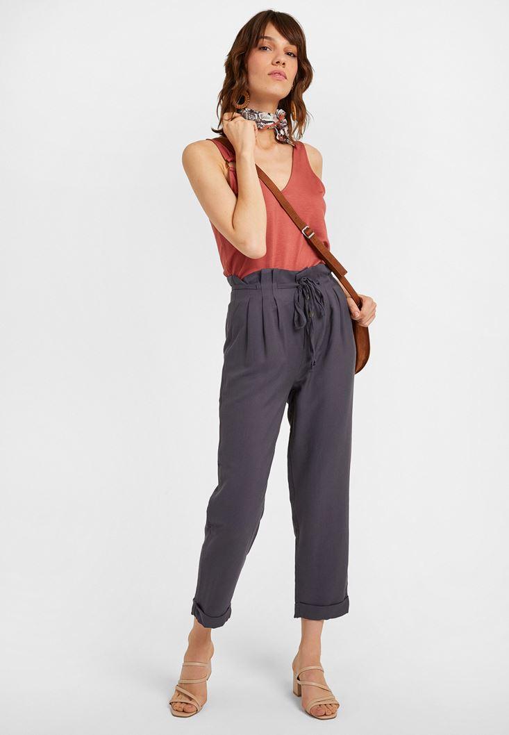 Gri Beli Bağlamalı Düğme Detaylı Pantolon