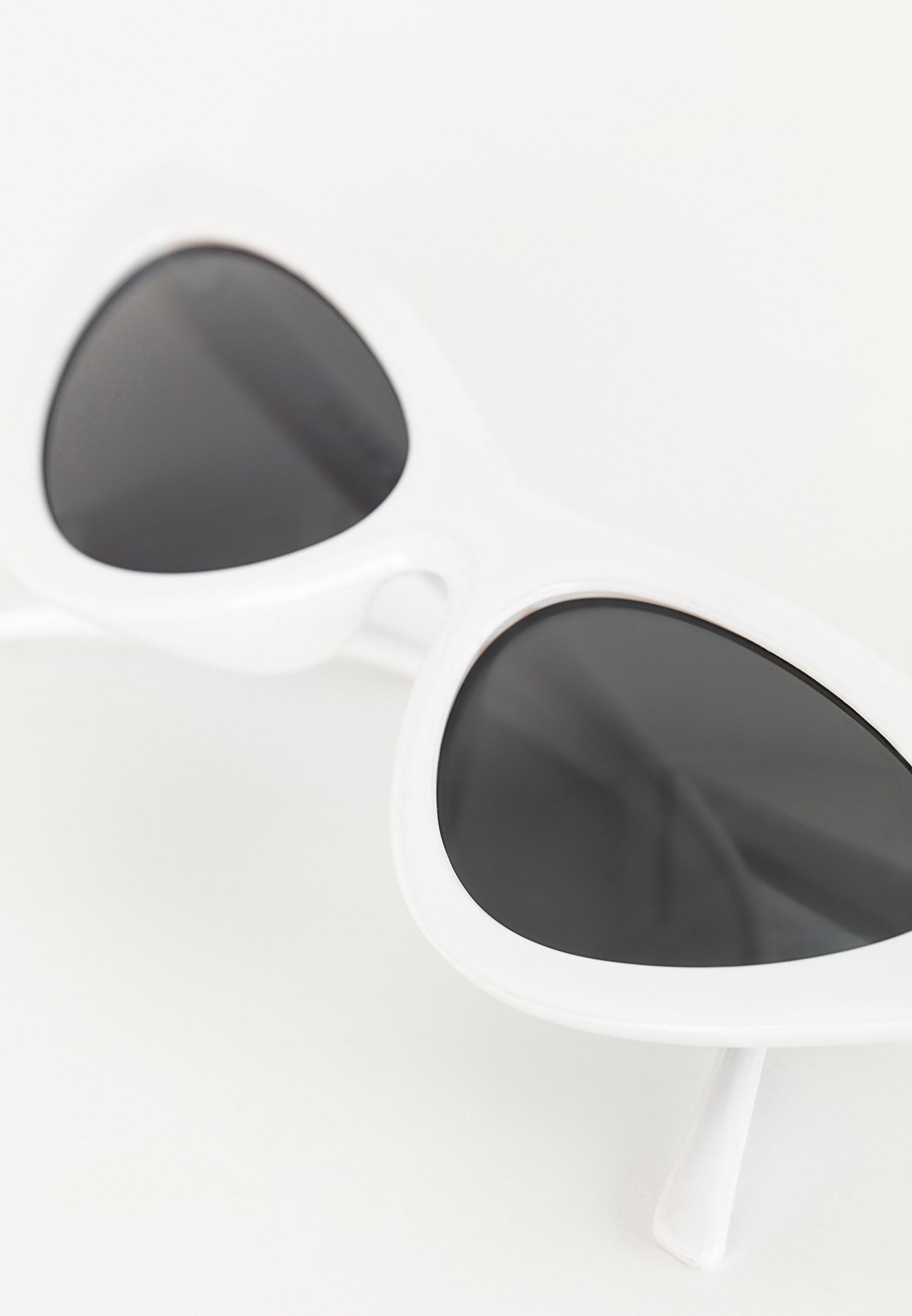 Bayan Beyaz Cat-Eye Güneş Gözlüğü