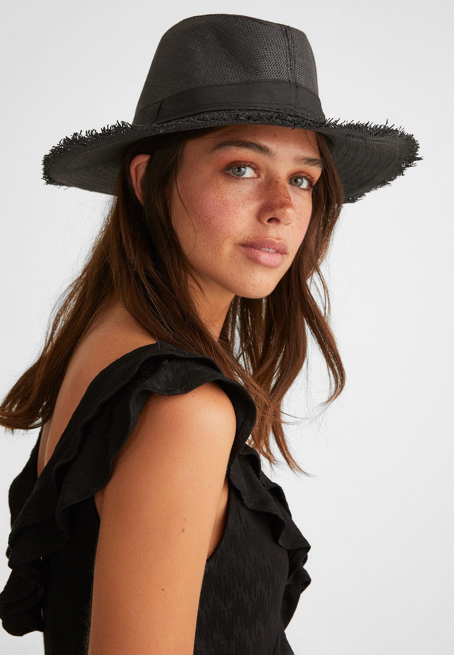 Bayan Siyah Hasır Şapka