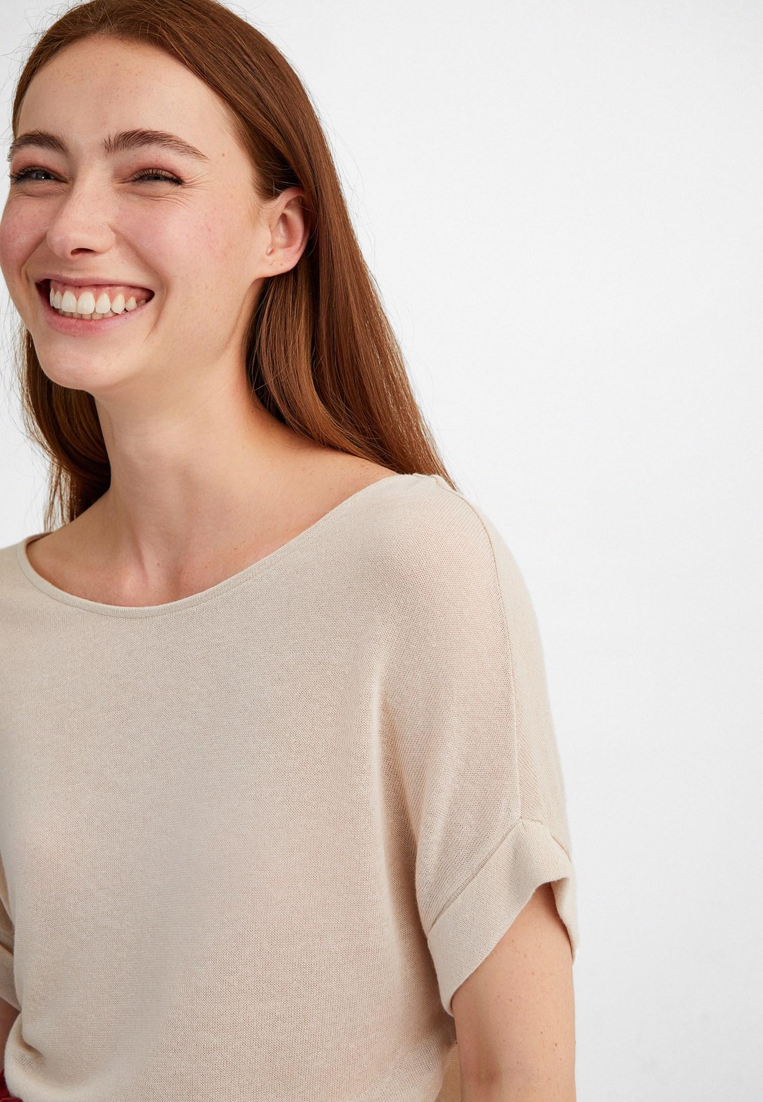 Bayan Krem Bot Yaka Keten Tişört