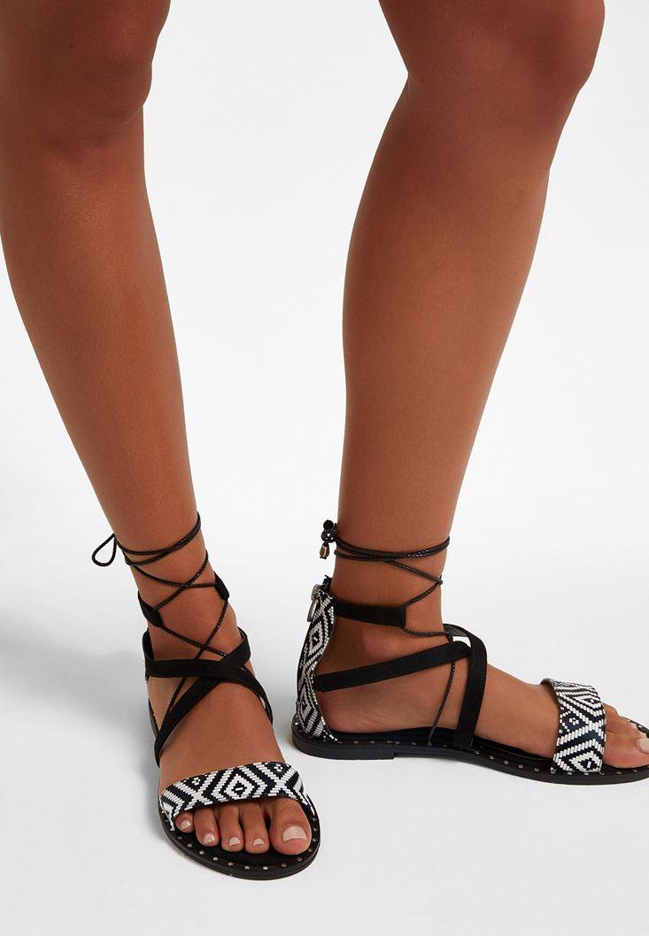 Siyah Bağcıklı Düz Sandalet
