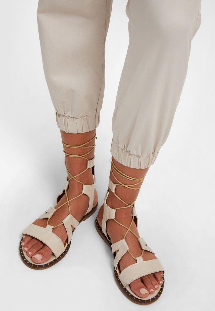 Krem Bağlama Detaylı Düz Sandalet