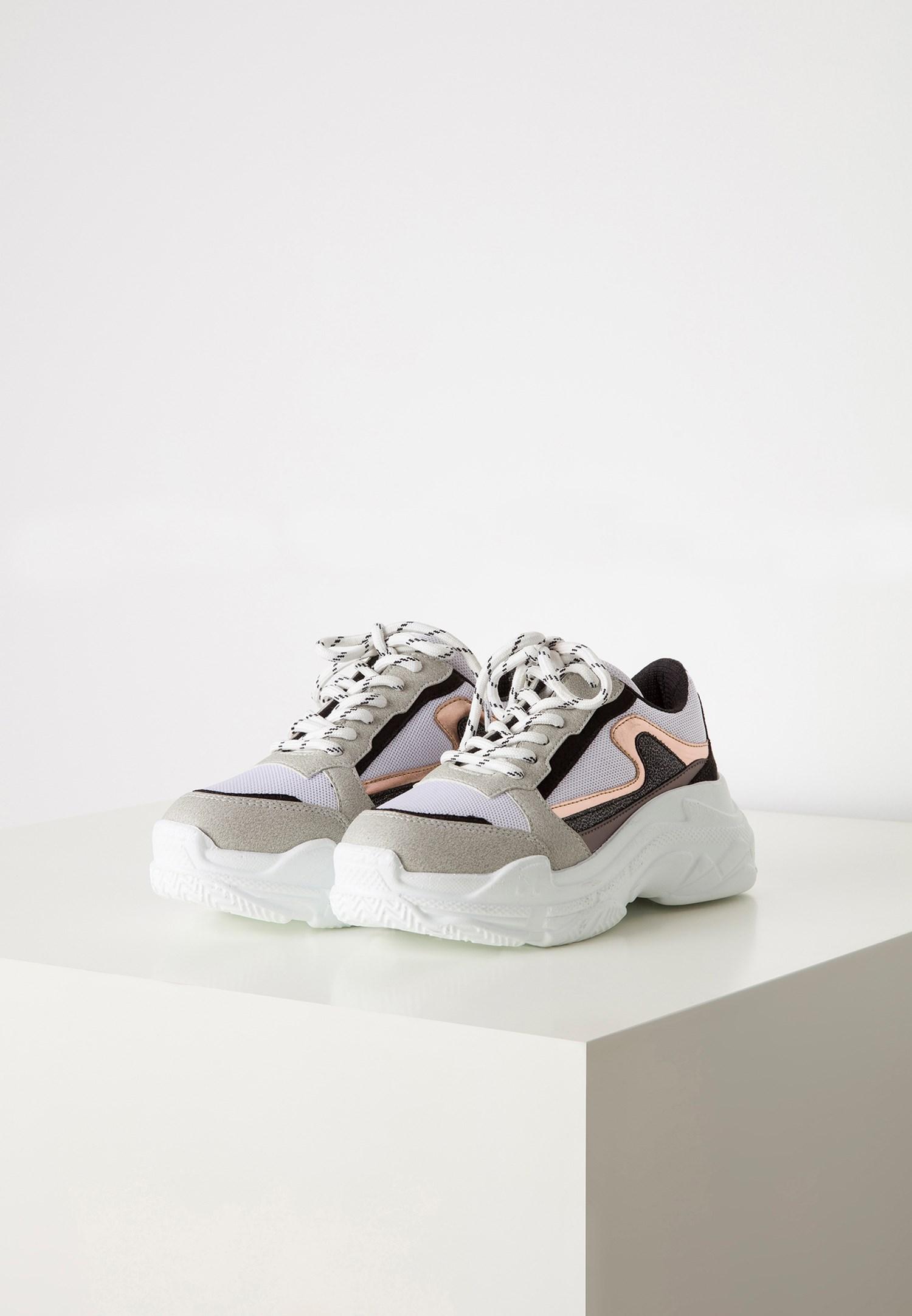 Bayan Beyaz Kalın Tabanlı Sneaker
