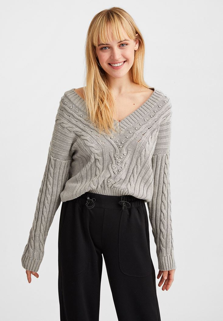 Grey V-Neck Knitted Pullover
