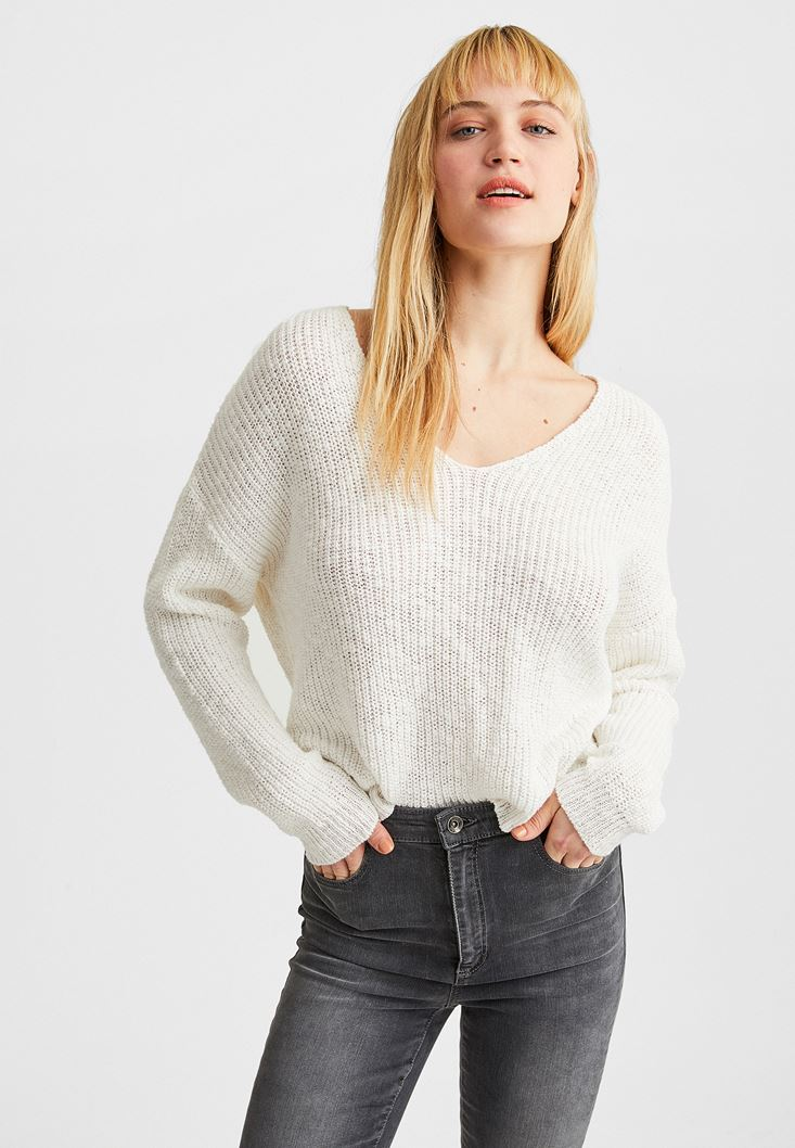 Cream V-Neck Knitted Pullover