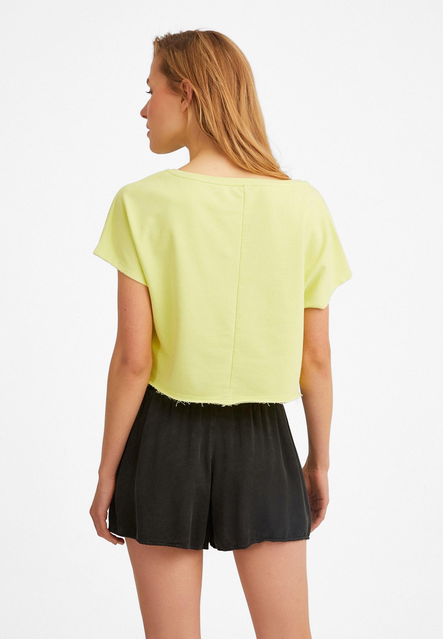 Bayan Sarı Kayık Yaka Kısa Sweatshirt