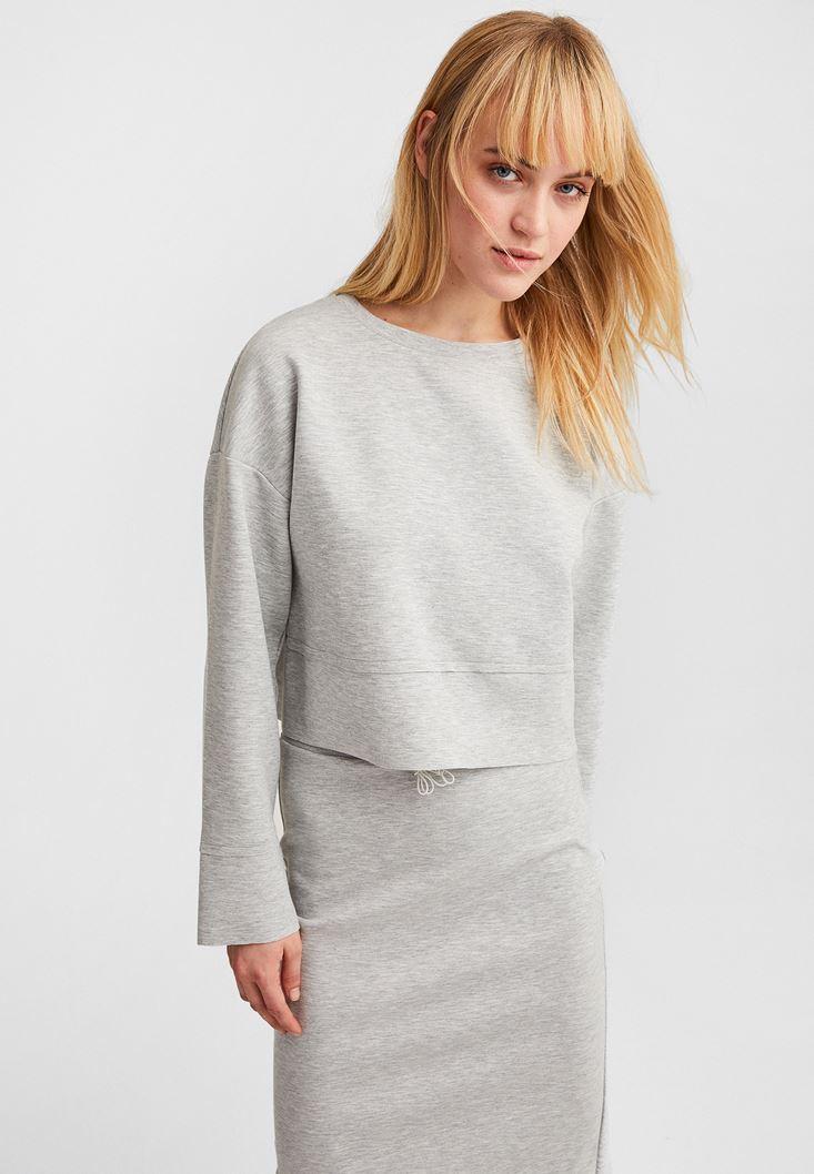 Gri Kolları Yırtmaç Detaylı Crop Sweatshirt