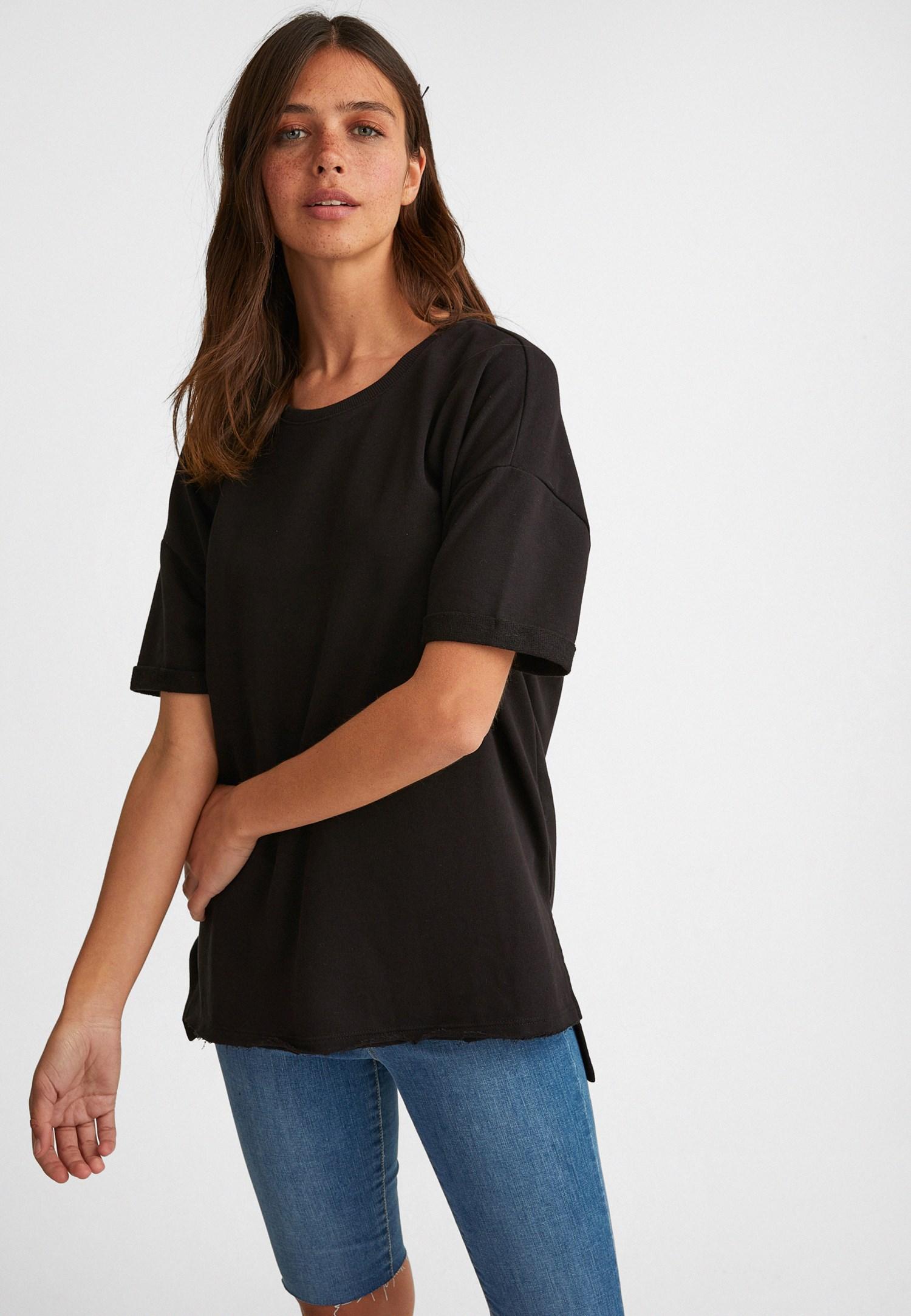 Bayan Siyah Sıfır Yaka Oversize Tişört