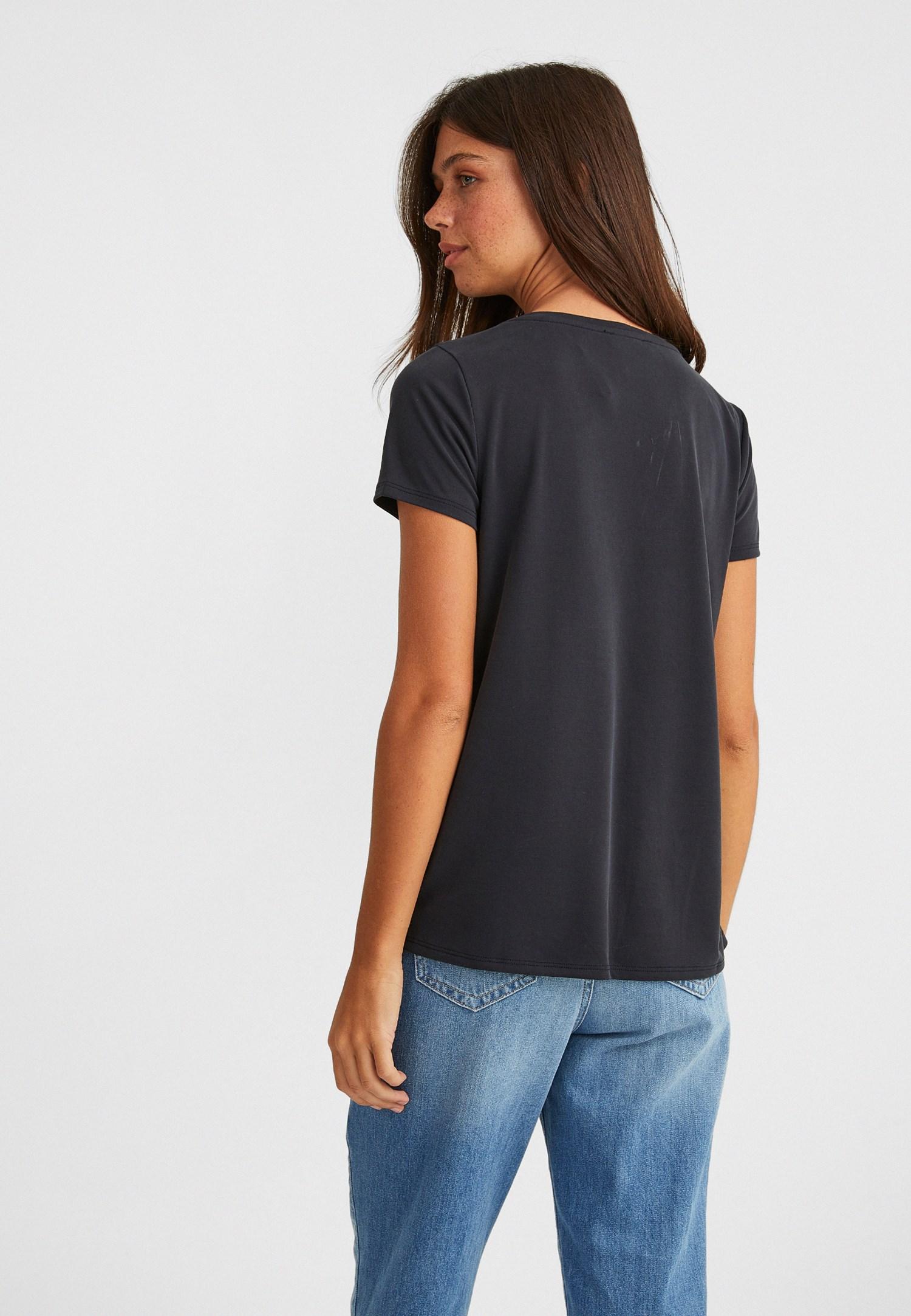 Bayan Siyah V Yaka Yumuşak Dokulu Tişört